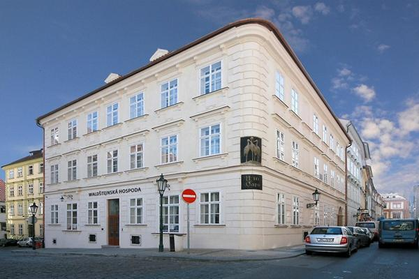 Photo gallery at the three storks hotel prague for Hotel domus balthasar prague
