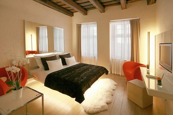 Habitaciones hotel at the three storks praga for Habitaciones nordicas matrimonio